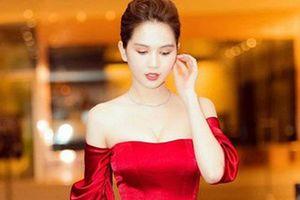 Ngọc Trinh diện váy đỏ chót khoe thân hình nuột không tỳ vết