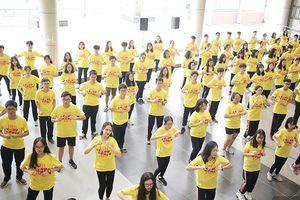 Học sinh Ams 'quẩy' flashmob nhiệt tình đón năm học mới