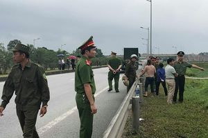 Thực nghiệm điều tra vụ container đâm Innova lùi trên cao tốc Thái Nguyên