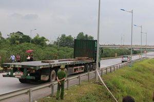 Luật sư nói gì về buổi thực nghiệm hiện trường vụ container tông Innova trên cao tốc?