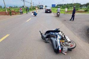 Tạm giữ đối tượng điều khiển xe máy tông CSGT bị thương