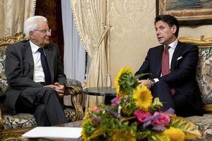 Tổng thống Italy tính thành lập chính phủ mới giữa khủng hoảng chính trị