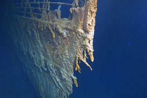 Hé lộ hình ảnh 'gây sốc' về tàu Titanic sau 107 năm dưới đại dương