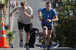 Con phố 350 m, thách thức người chạy 2 vòng dưới 10 phút