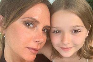 Xôn xao cảnh con gái 8 tuổi của David Beckham nằm dài được mát xa