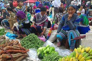 Đi chợ phiên vùng cao tại... Hà Nội