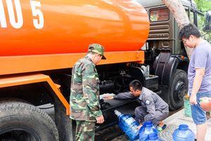 Quân đội ứng cứu người dân Đà Nẵng trong cao điểm 'khủng hoảng' nước sạch