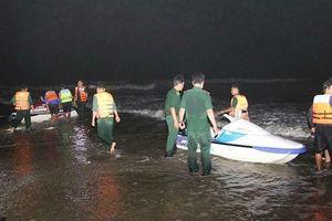 Tìm thấy thi thể 4 sinh viên bị sóng biển nhấn chìm ở Mũi Né