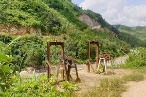 Trên tuyến biên giới Lai Châu: Hàng lậu vượt biên bằng cáp treo…(!?)
