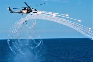 'Soi' sát thủ toàn năng Sikorsky MH-60R 'Diều hâu biển'
