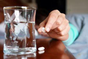 Vợ dựng chuyện bị đánh thuốc mê vì tiêu hết tiền chồng gửi về