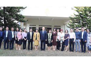 TPHCM tìm kiếm đối tác chiến lược với Singapore về quy hoạch và đào tạo