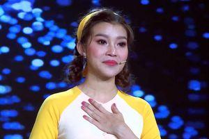 Lộ diện cô gái được Phi Nhung tặng điểm 10 ngay trên sân khấu 'Duyên dáng Bolero'