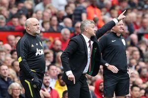 MU đấu Crystal Palace: Quỷ đỏ lên đỉnh Ngoại hạng Anh
