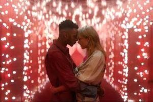 Đón Giáng sinh sớm với 'Người tình trong mộng' của Taylor Swift