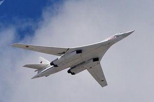Oanh tạc cơ Tu-160 phóng tên lửa diệt khủng bố ở Syria