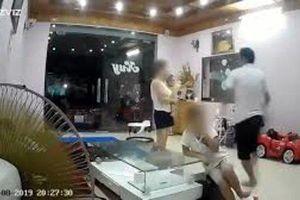 Người chồng lên tiếng về việc lao vào đánh vợ đang ôm con nhỏ