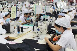 Tăng giờ làm thêm, khó hài hòa lợi ích giữa doanh nghiệp và người lao động