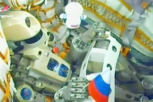 Nga đưa robot giống người lên vũ trụ