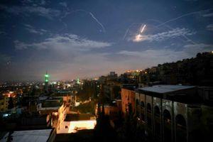 Israel nã tên lửa nhắm vào lực lượng Iran ở Syria