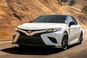 Toyota Camry 2020 bản thể thao hé lộ giá bán hơn 700 triệu đồng