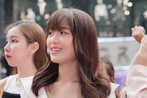 Han Sara lẻ bóng dự sự kiện, khoe nhan sắc rạng rỡ hậu công khai tình cảm với Tùng Maru