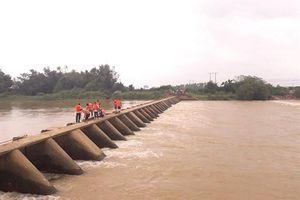 Bình Định: Mở trộm cổng đập thủy lợi, người đàn ông bị nước cuốn tử vong