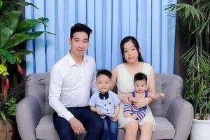 'Hot mom' Hoàng Ngọc – Một nách hai con kèm hai cửa hàng