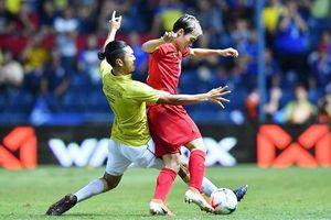 Bóng đá Việt Nam trước hai cuộc đại chiến cân não với Thái Lan