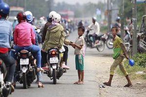 Chăn dắt trẻ ăn xin: Chế tài nào xử lý dứt điểm?