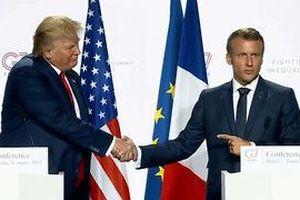 Màn 'đấu tay' dài 13 giây của ông Trump và ông Macron tại hội nghị G7