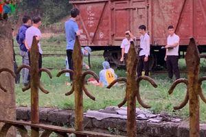 Bò qua đường sắt lúc say xỉn, người đàn ông bị tàu hỏa đâm tử vong