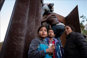 Gần 20 bang kiện chính quyền Mỹ về quy định tạm giữ trẻ em di cư vô thời hạn