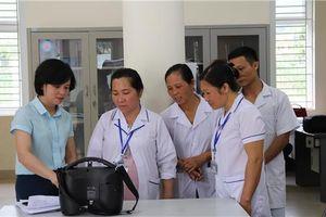 Bộ Y tế kiểm tra, đánh giá hiệu quả sử dụng túi truyền thông cho y tế cơ sở tại Cao Bằng
