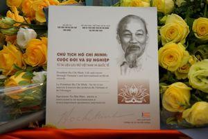 Ra mắt sách về Chủ tịch Hồ Chí Minh bằng 4 thứ tiếng