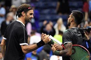 Federer chật vật vào vòng hai Mỹ mở rộng