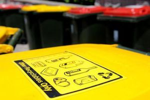 Trường học Melbourne: khóa thùng rác, học sinh mang rác về nhà