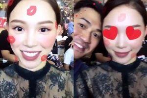 Phillip Nguyễn - Linh Rin đồng loạt chia sẻ khoảnh khắc bên nhau, ngầm thừa nhận hẹn hò