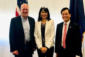 Đại sứ Hà Kim Ngọc thăm và làm việc tại bang Alaska, Hoa Kỳ