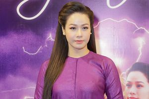 Nhật Kim Anh rạng rỡ ra mắt phim mới sau biến cố bị mất trộm 5 tỉ