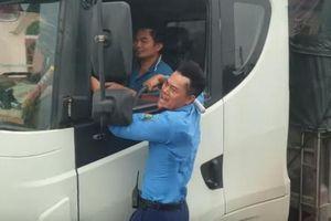 Liều lĩnh vượt trạm cân, tài xế xe tải bị phạt 72 triệu đồng