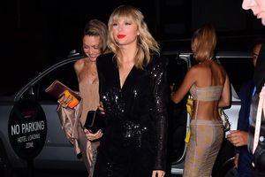 Hết sặc sỡ, Taylor Swift 'lột xác' với phong cách sang trọng ở VMAs