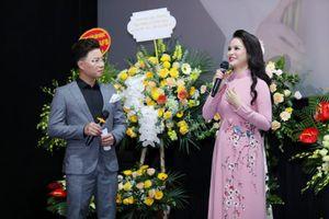 'Sao Mai' Đinh Trang hát nhạc cách mạng bằng kỹ thuật opera