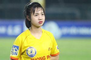 Các nữ cầu thủ bóng đá Việt 'gây thương nhớ' nhờ vẻ ngoài xinh xắn