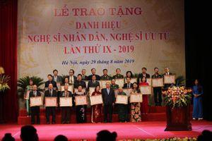 'Các nghệ sĩ thực sự là những ngôi sao chiếu sáng bầu trời nghệ thuật của Việt Nam'