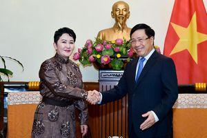 Phó Thủ tướng Phạm Bình Minh tiếp Thứ trưởng Ngoại giao Mông Cổ Batmunkh Battsetseg