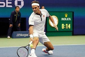Vượt qua Dzumhur, Federer chạm mốc 100 trận tại US Open