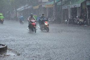 Tâm bão số 4 cách đất liền 170km, sáng sớm 30/8 đổ bộ từ Hà Tĩnh đến Quảng Trị