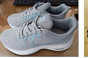 Bị phạt 12 triệu đồng vì vận chuyển 100 đôi giầy giả mạo nhãn hiệu Nike
