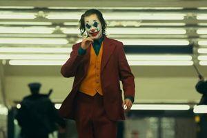 Joker tung trailer thứ hai đầy ma mị và ám ảnh
